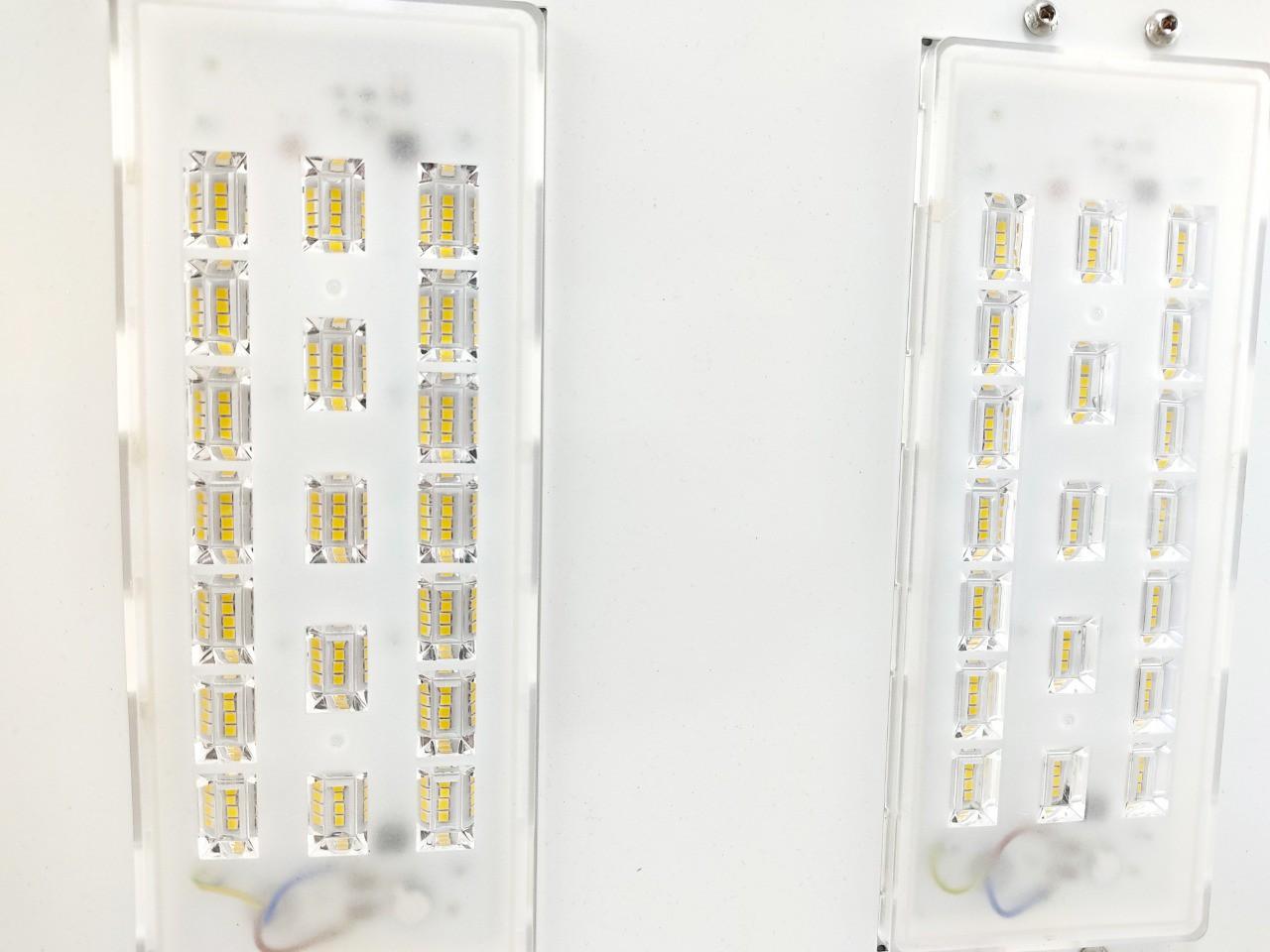 Luminária Led Postos De Gasolina/ Galpões 2 Modulos 100w Alum.