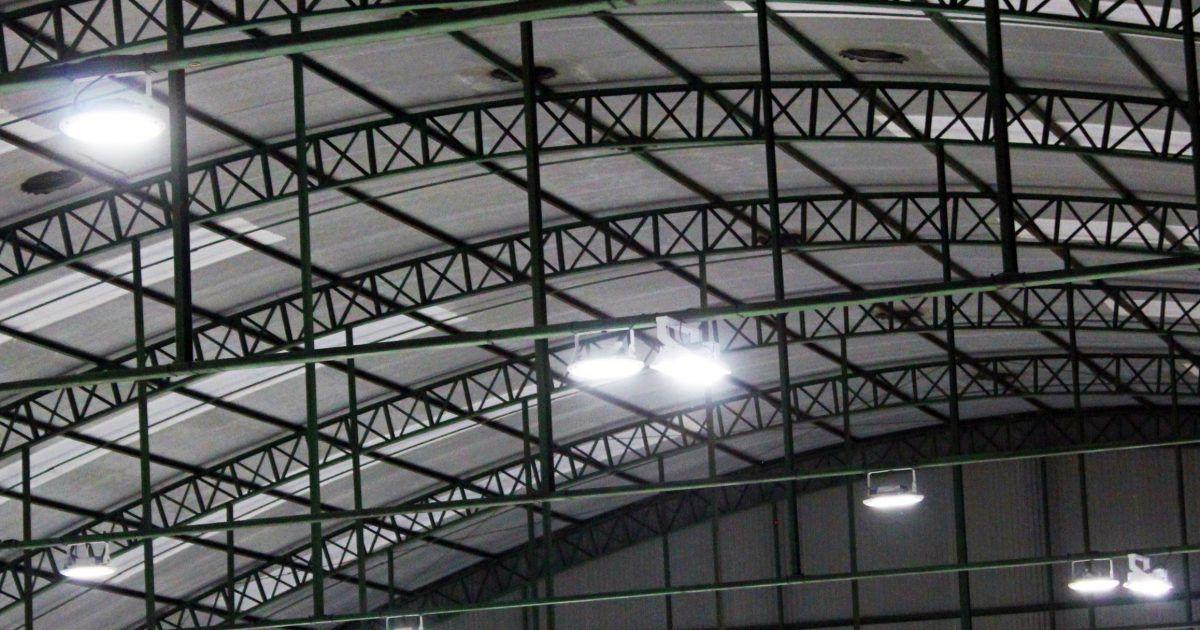 Refletor blindado de led holofote Linha Guaecá Branco frio 157W CLG-J150