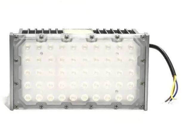 Refletor Led (GOLD) Modelo 2021 Flood Light 150w IP68 um Módulo Number Two (Tecnologia Militar)