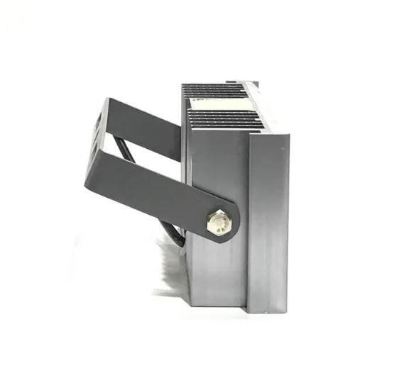 Refletor Led Modelo 2021 Flood Light 100w IP68 um Módulo Number Two (Tecnologia Militar)