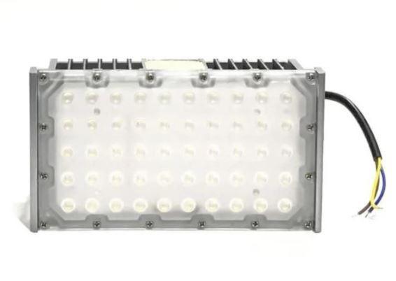 Refletor Led Modelo 2021 Flood Light 150w IP68 um Módulo Number Two (Tecnologia Militar)