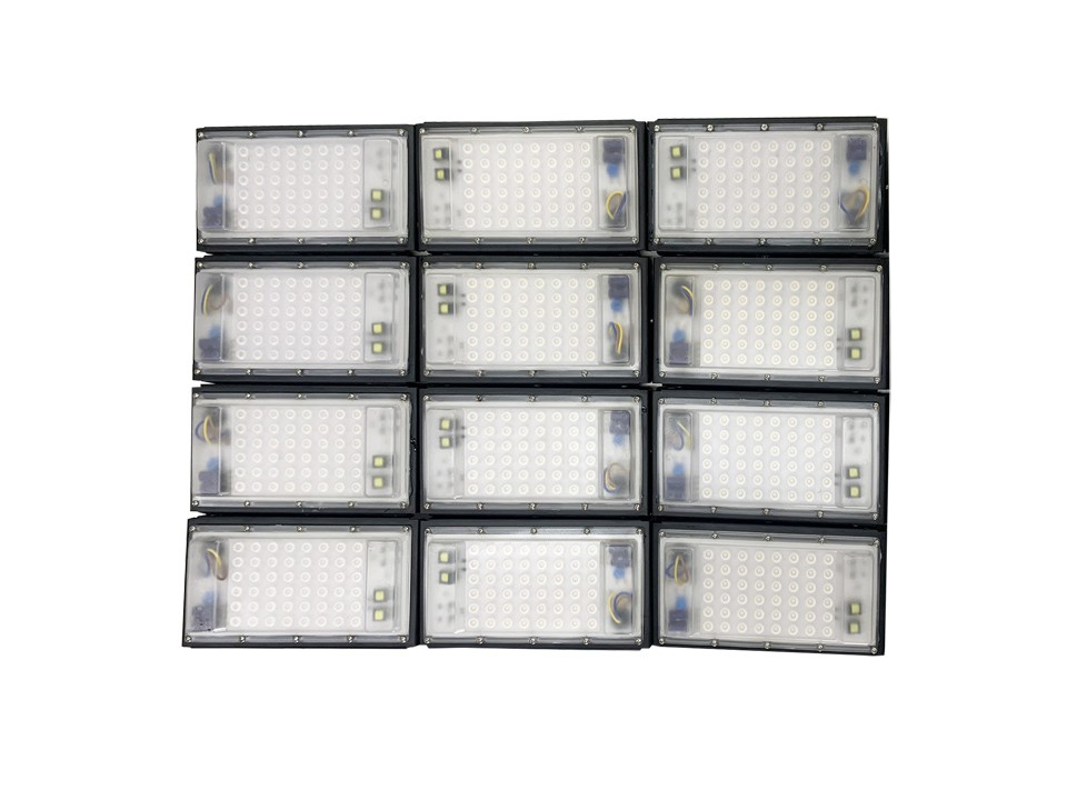 Refletor Led Modelo 2020 Flood light Number one 1000w IP68 12 Modulos (Tecnologia Militar)