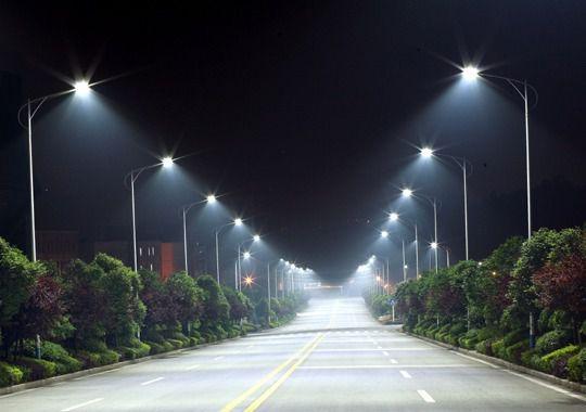 Refletor Luminária Pública Poste Solar Led 90w C Sensor Number One