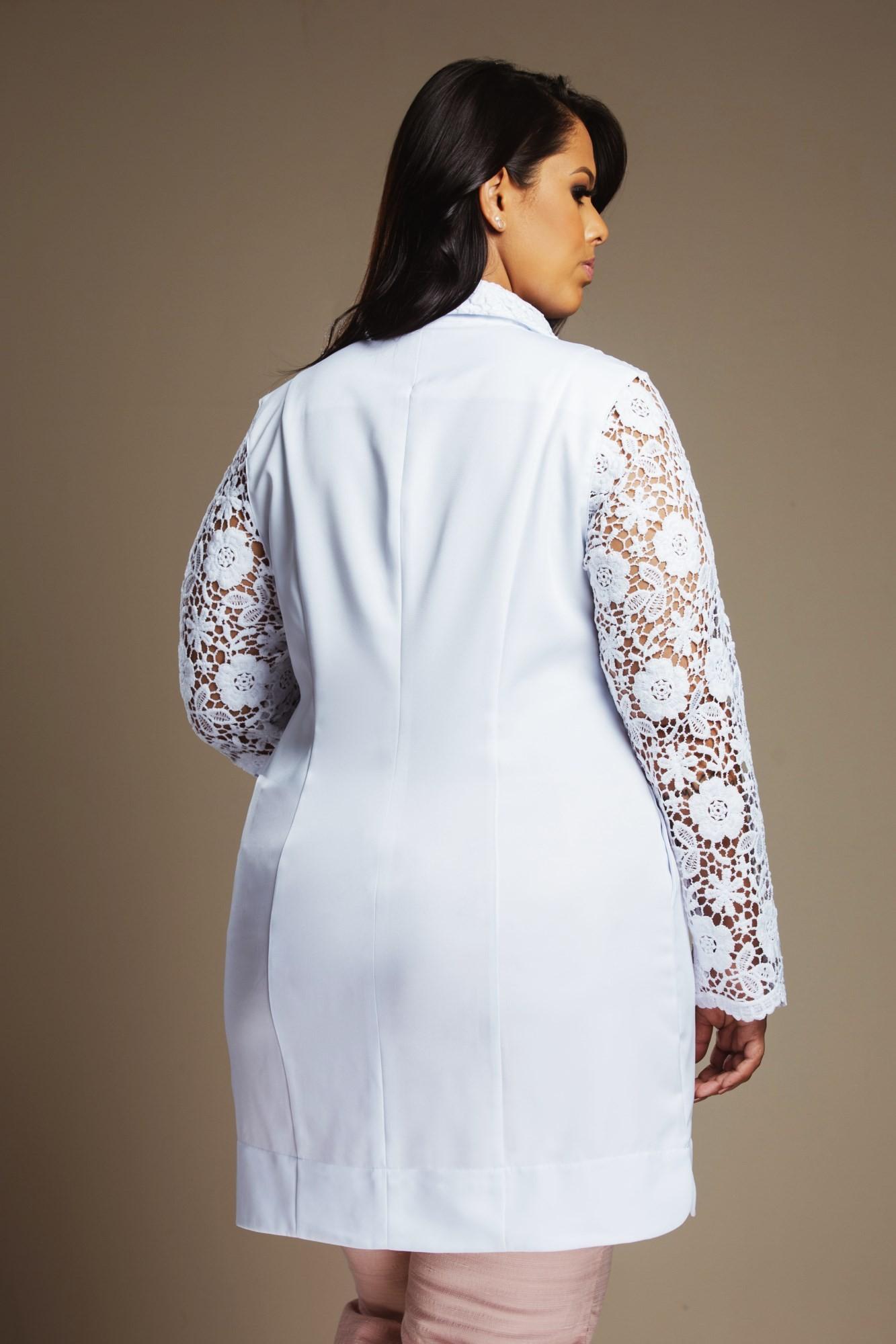 Jaleco Feminino Plus Size com Renda Zely Floral