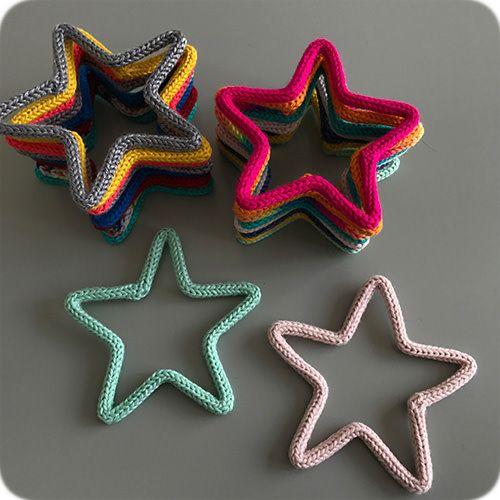 Enfeite de Mini Estrela em Tricotin