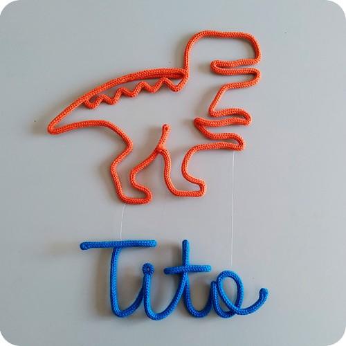 Nome Pendurado no Dinossauro T-Rex - Porta Maternidade