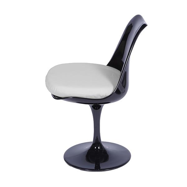 Cadeira Saarinen Preta com Almofada OR Design