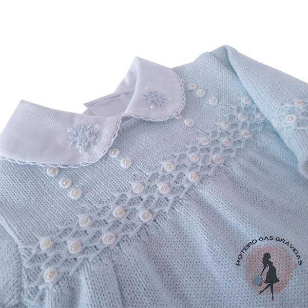 Conjunto de tricô azul claro com perolas