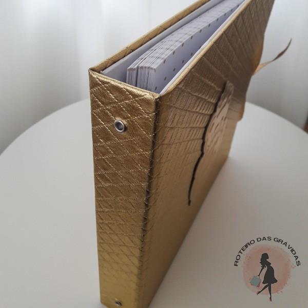 Livro de visitas dourado
