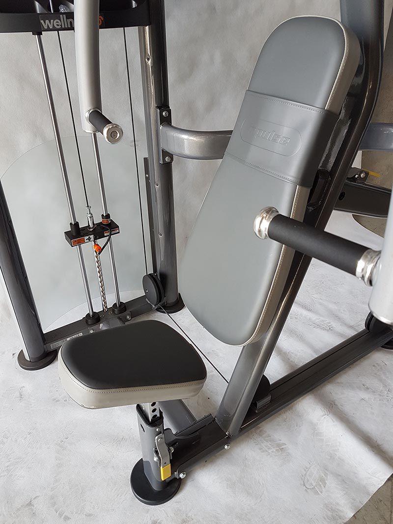 Chest Press 275 lbs (124 kgs) IMPULSE - (Peça Showroom)