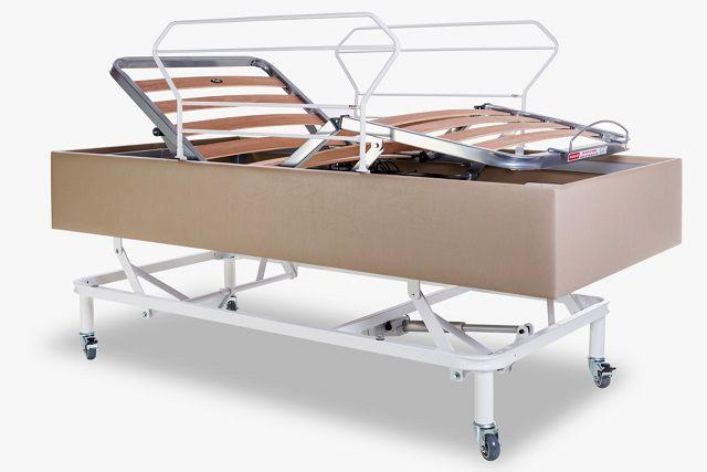 Cama Hospitalar Motorizada com Elevação do Leito Medical-Confort Pilati c/ Colchão Original Pilati c/ Rodas c/ Grades Cor Bege