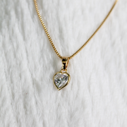 Pingente Coração de Zircônia Folheado em Ouro 18K  (Corrente não inclusa)