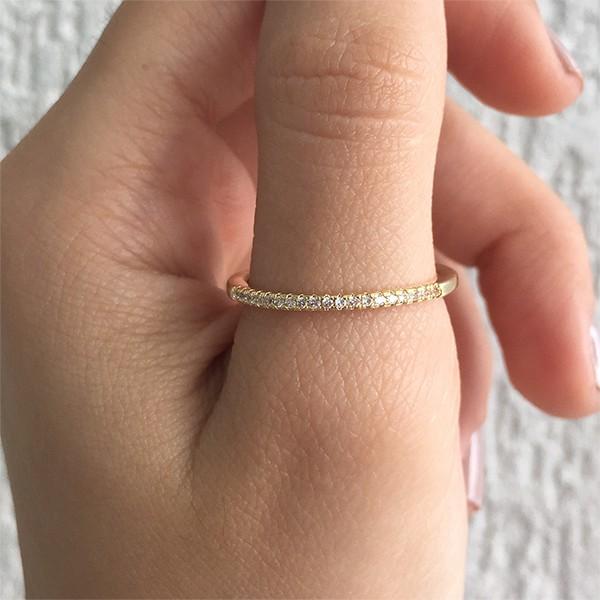 Anel Aparador de Aliança com mini zircônias Ouro 18k