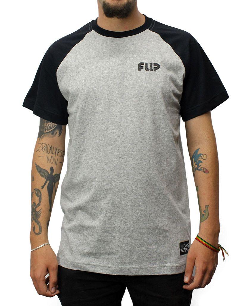 Camiseta Flip Raglan Tube Chest Preto / Cinza