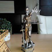 Estátua Deusa Têmis 23 cm Dama Da Justiça Símbolo Do Direito