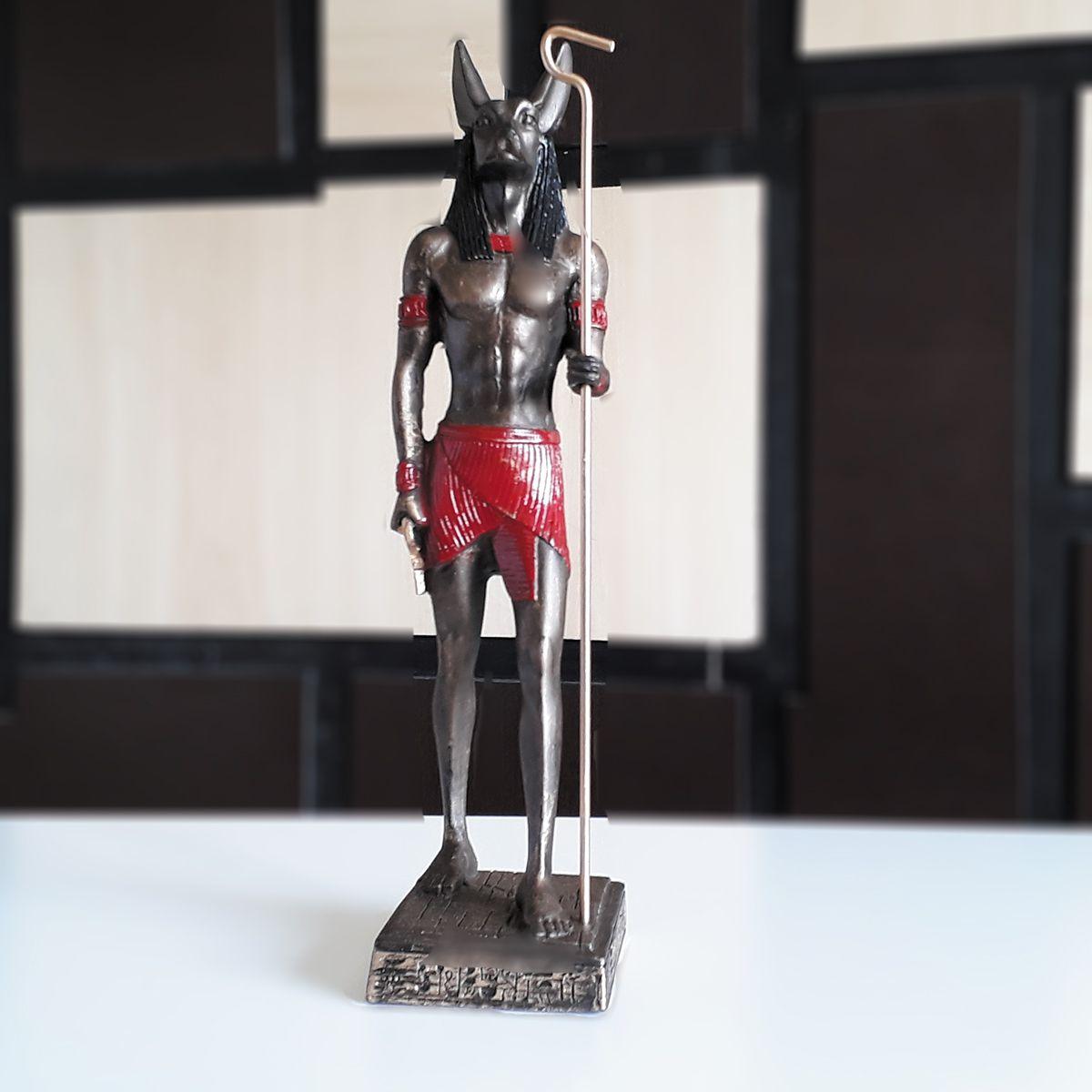 Estátua Deus Anubis Guia e Condutor da Alma no Submundo