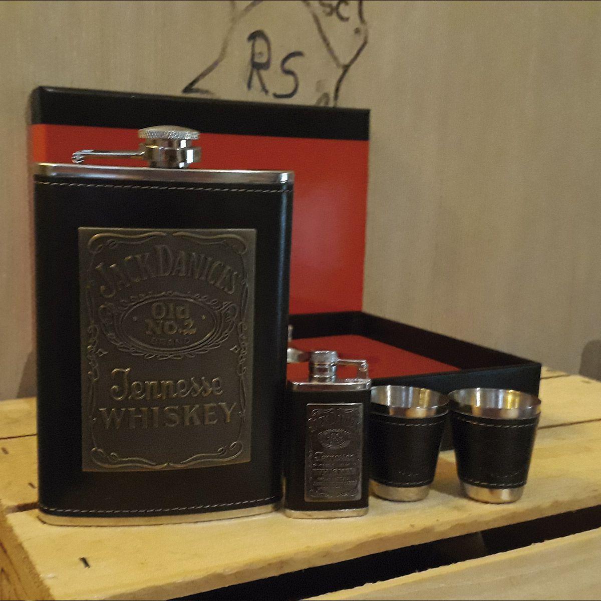 Kit Jack Daniel's em Couro 5 Peças Cantil 260ml, Isqueiro, Funil e 2 Copos