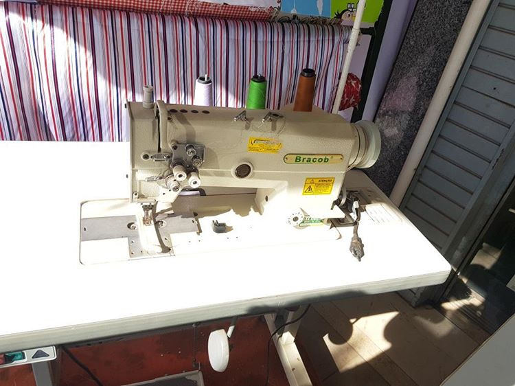 Maquina Costura Pespontadeira BRACOOB Semi-Nova