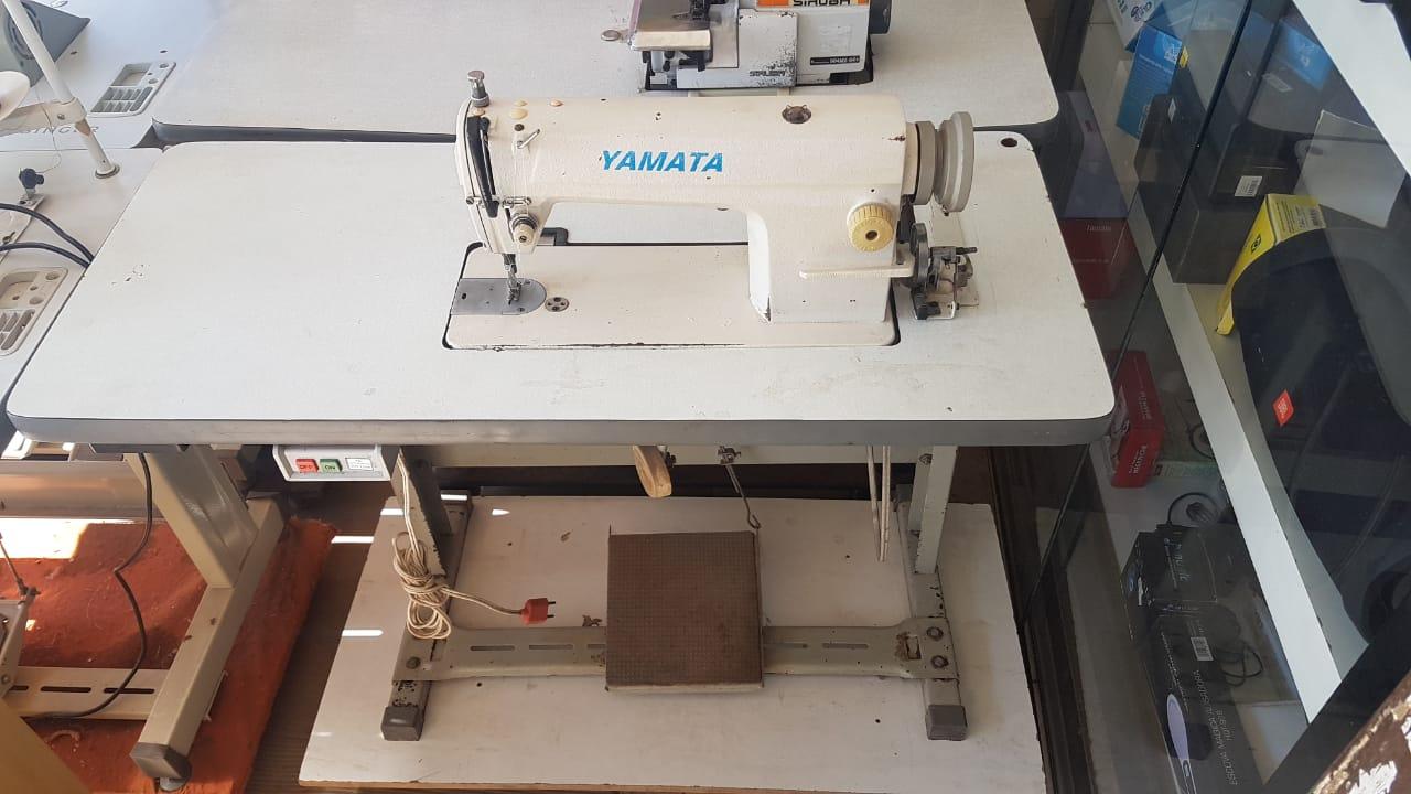 Maquina Costura Reta Industrial YAMATA Semi-Nova