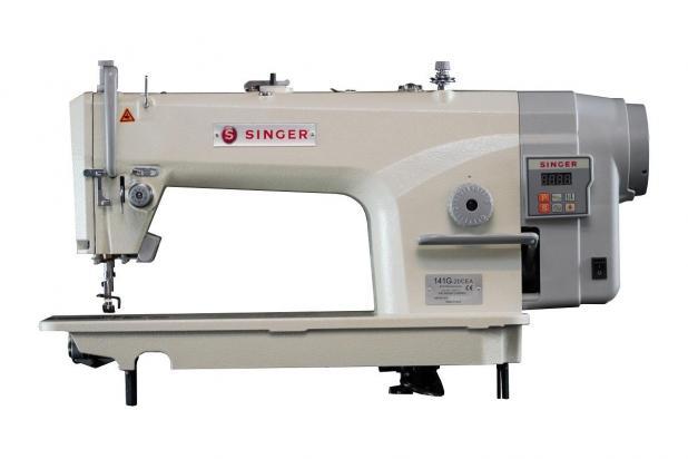 Máquina de Costura Reta SINGER 141G Sem Corte De Linha 220V