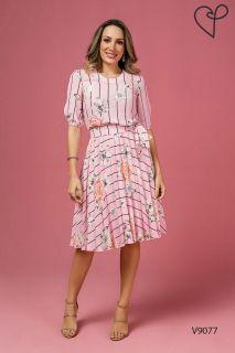11e73e10ec Vestido Jany Pim Plissado em Crepe Estampa Floral com Listras