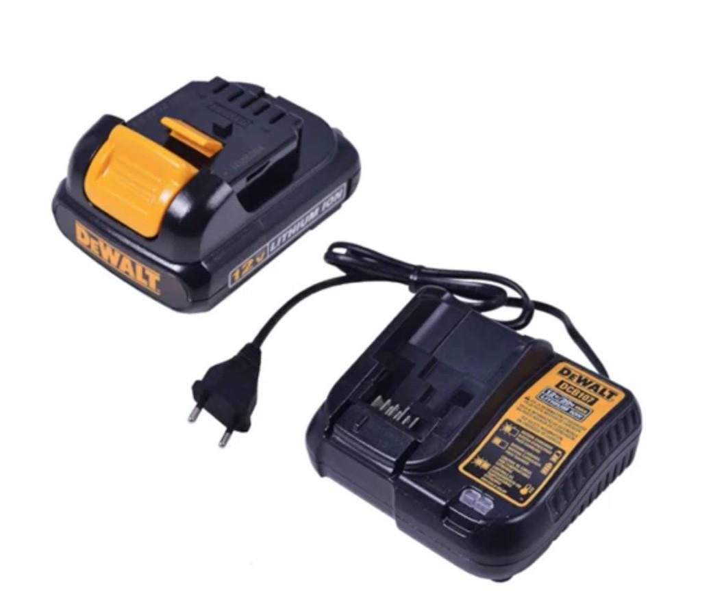 """Parafusadeira / Furadeira Dewalt 3/8"""" DCD700C2 + 02 Baterias 12V + Carregador Bivolt"""