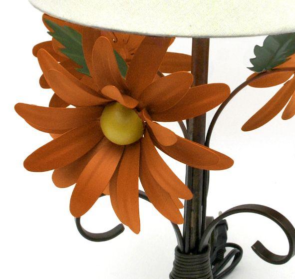 Abajur Luminária Rústica de Quarto em Ferro Flores E Cúpula