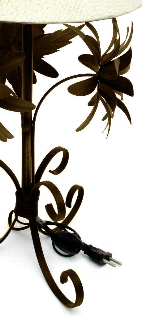 Abajur Rustico Quarto De Casal em Ferro Artesanal com Flores