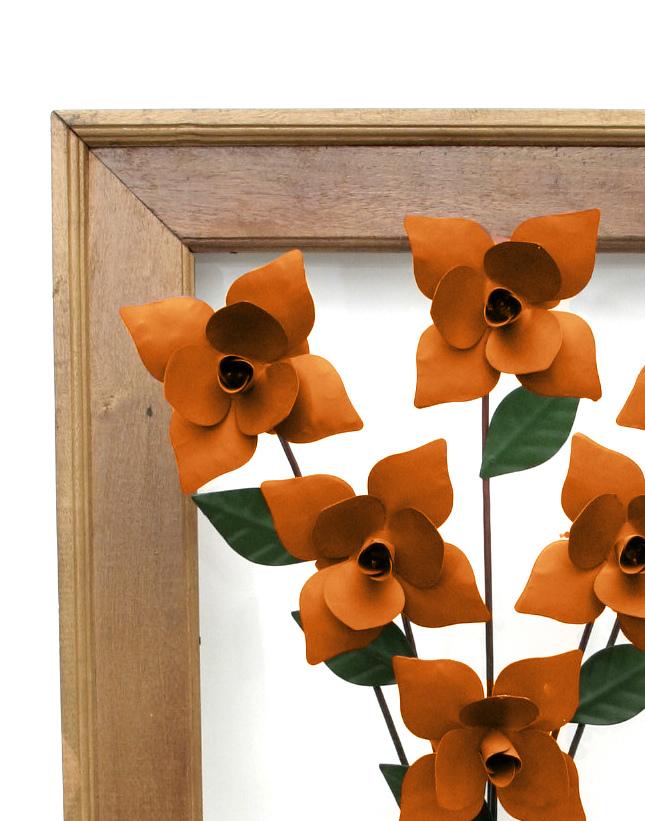 Moldura Decorativa Artesanal em Ferro e Madeira com Rosas Laranjas