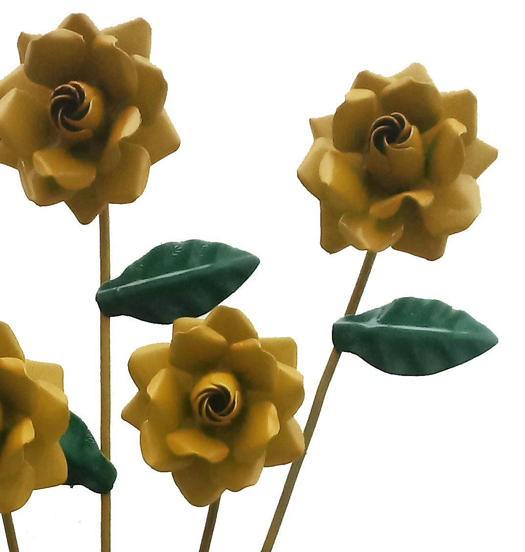 Arandela com Flores em Ferro De Parede para Varanda de Sitio