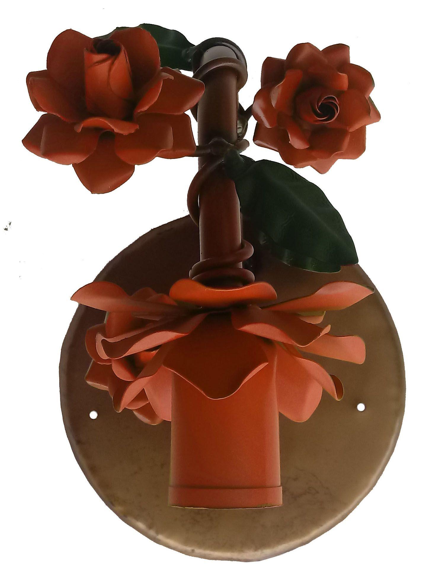 Arandela de Metal Artesanal com Florzinhas para Ambiente Externo