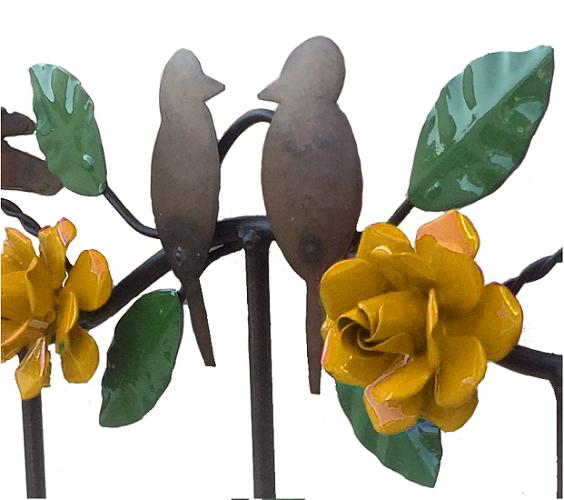 Lindo Cabide Artesanal com Flores de Ferro de Várias Cores
