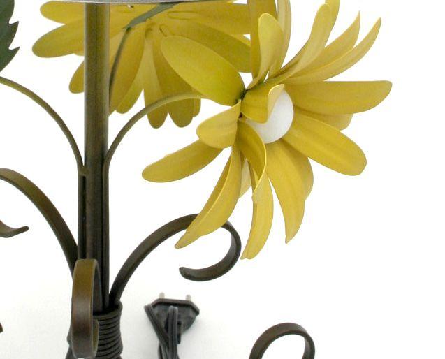 Luminária Abajur Para Quarto Artesanal De Ferro Rustico Flor