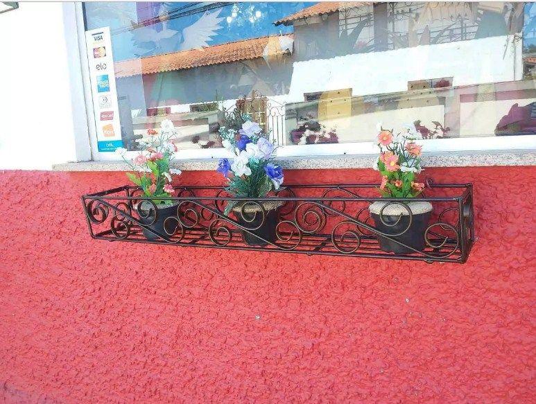 Suporte para Vasos de Flor de Parede Moderno Artesanal Mineiro 80 cm