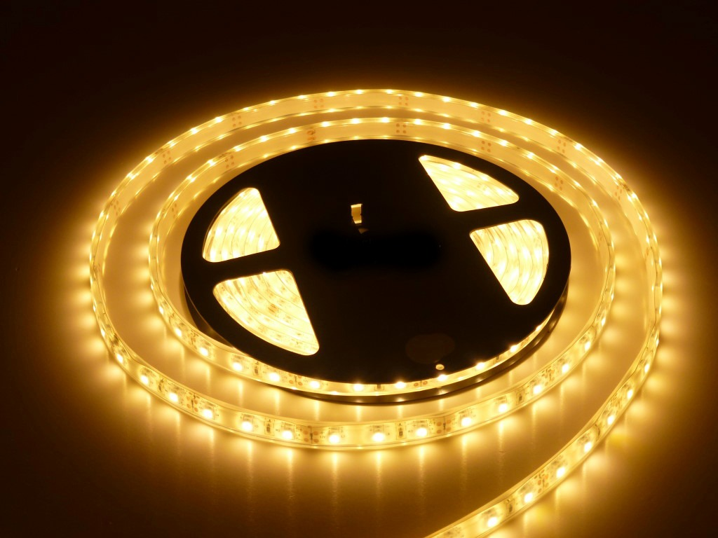 Fita de LED 5 Metros IP67 Uso Externo 24W - Starlux