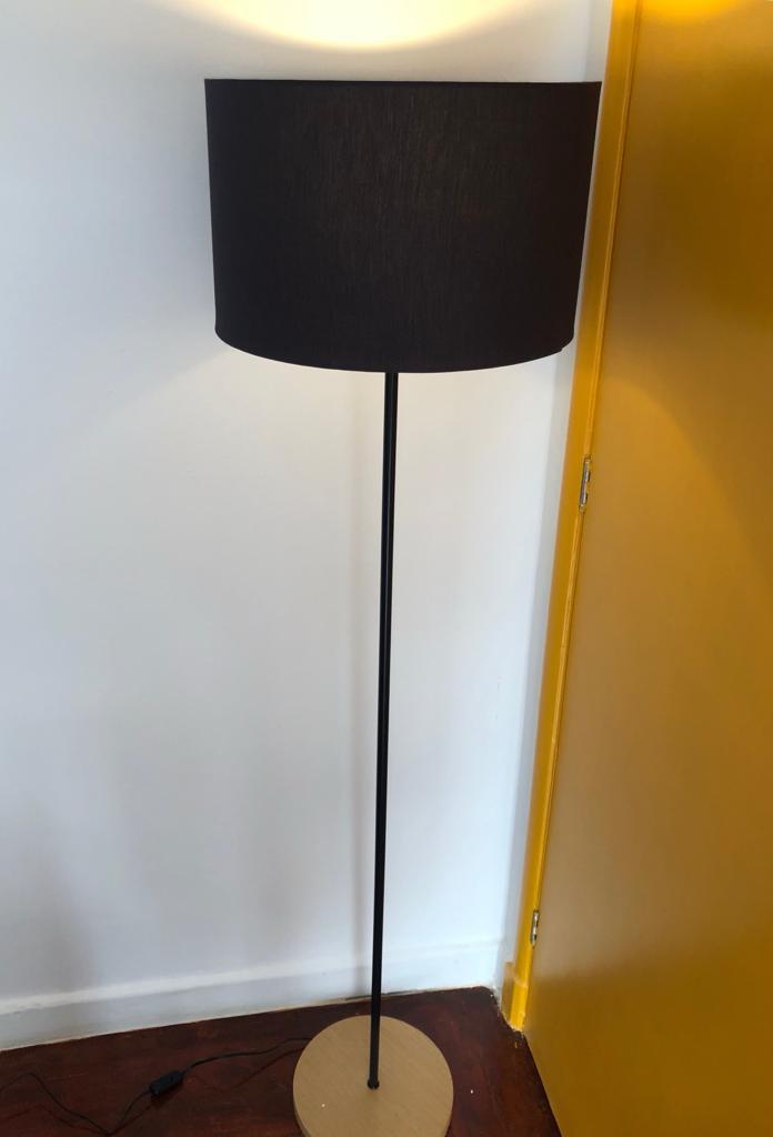 Luminária de Coluna com Cúpula