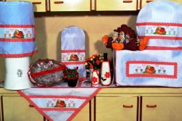 Jogo de Cozinha Ponto Cruz - Joaninha em Tecido Branco