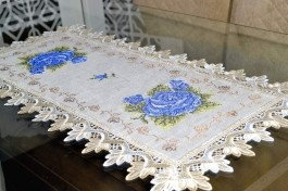 Caminho de Mesa com Flores Azul - 0,90 m