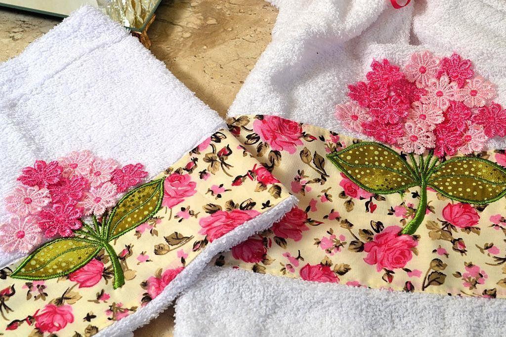 Jogo de Toalhas Bordadas Rosto e Mão - Branca e Rosa