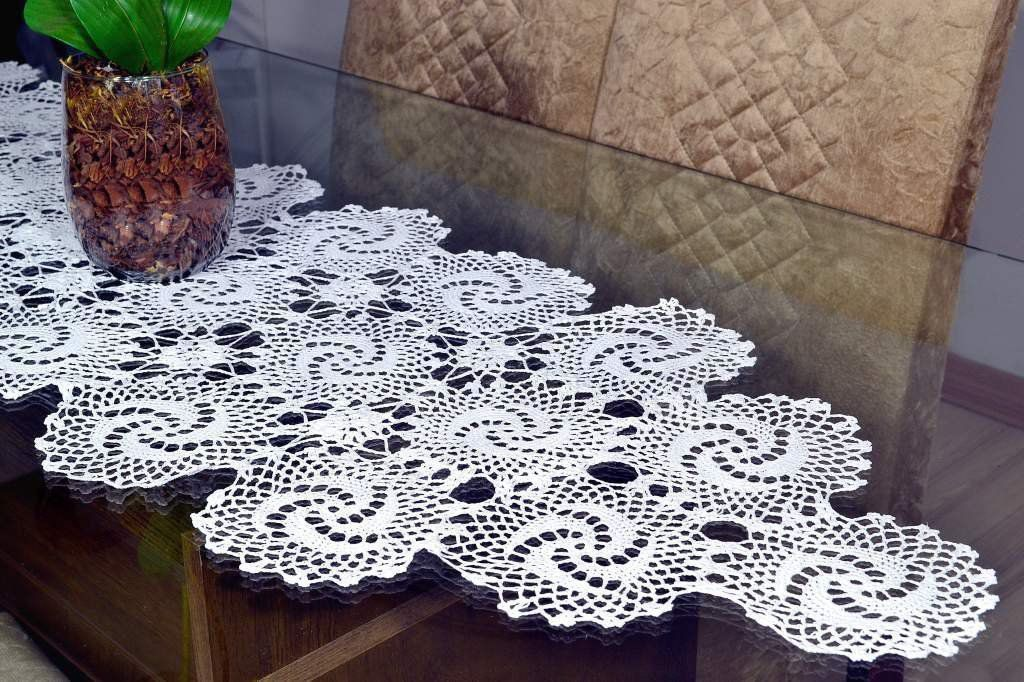 Caminho de Crochê Branco 1,40m - Luísa