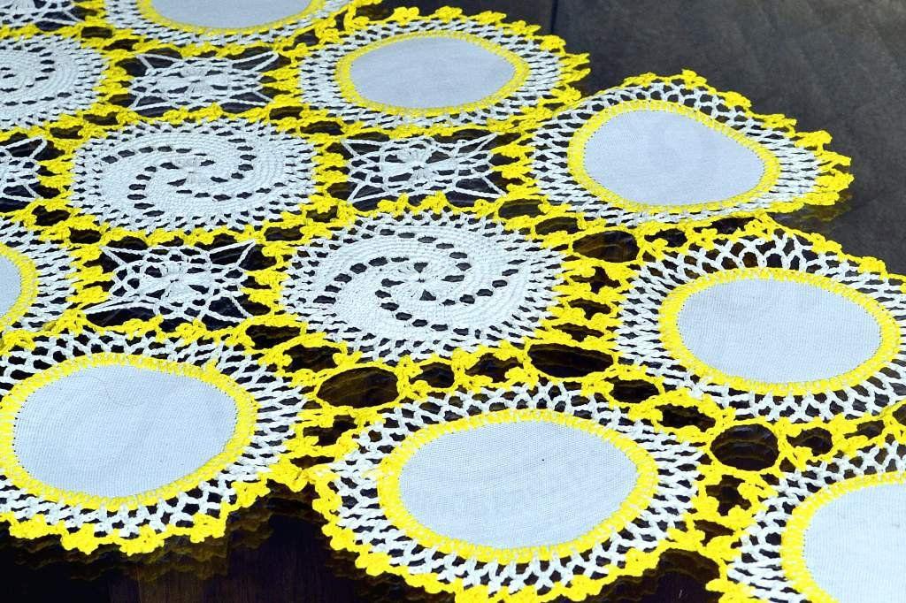 Caminho de Crochê Linha Cléa 1,40m - Branco e Amarelo