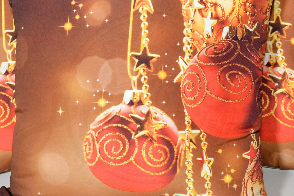 Capa de Almofada Natal - Bolas Vermelhas