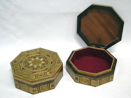 Caixa de mosaico marchetado com madre-pérola octavada (Média) -cod.560