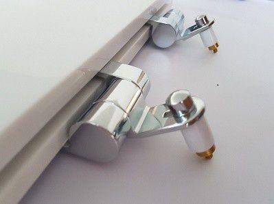 Assento BOUTIQUE Soft-Close Poliéster/Acrílico para Modelos Carrara, Nuova, LK e Duna para Deca Preto Fosco com Ferragem Cromada