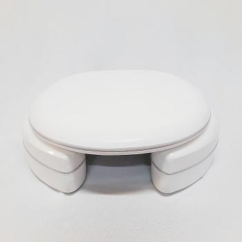Assento Studio Almofadado Super Luxo com Altura de 7 cm e com abertura frontal para Louça Deca.