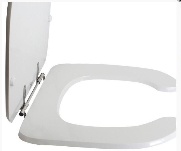 Assento Vogue Plus Branco em Poliéster/Acrílico Para bacia Vogue Plus Conforto - P51
