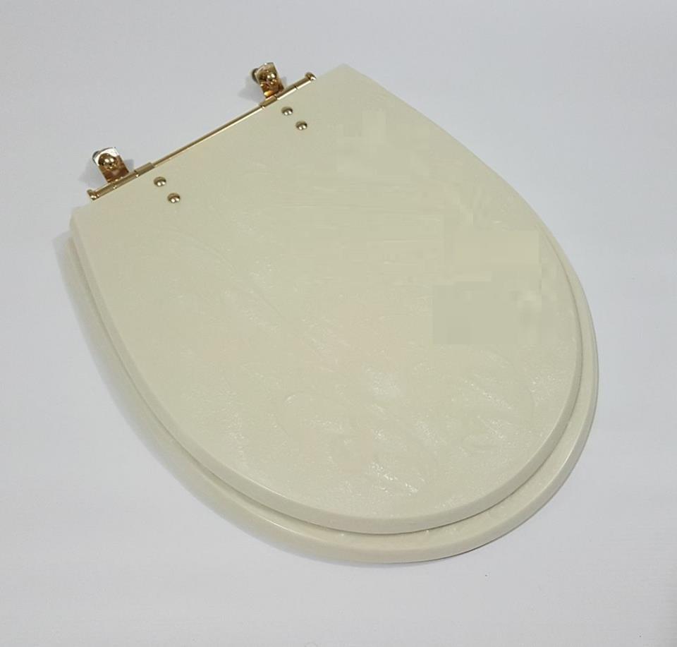 Assento Com DOURADO; com ferragem DOURADA em latão maciço DOURADO. Fabricamos Em Todos os Modelos e Cores de Vaso Sanitário.