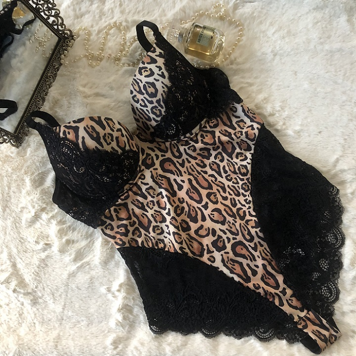 Body Plus Size Estampado Felina 5593