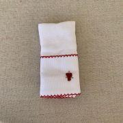 Babinha ( paninho de boca) bordado em vermelho