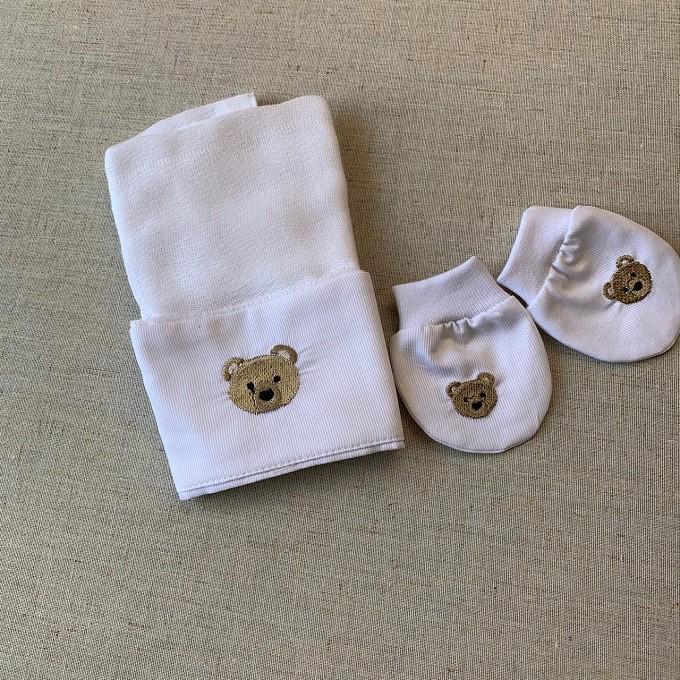 Kit paninho de boca e luvinhas bordado de ursinho